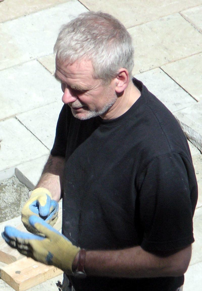 Andy Goldsworthy- Biography | short notes | Top artworks – artandcrafter.com Land art