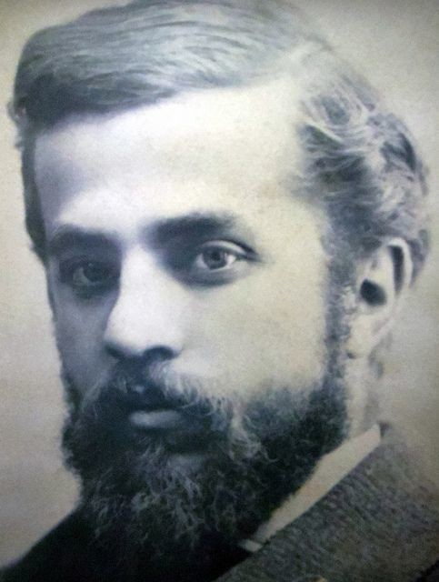Antoni Gaudí- Short notes | Know everything in seconds-artandcrafter.com Art nouveau