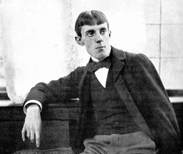 Aubrey Beardsley- Short notes | Know everything in seconds-artandcrafter.com Art nouveau