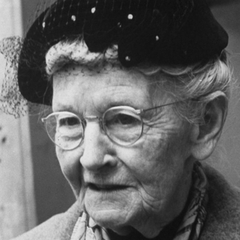 Grandma Moses- Facts, Overview, complete life- At glance | artandcrafter.com Folk art