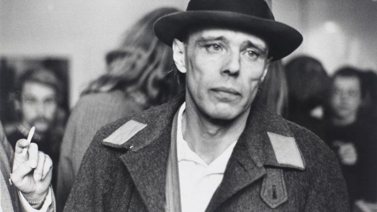 Joseph Beuys- Life, paintings, contribution, death- Easy explanation | artandcrafter.com Conceptual art