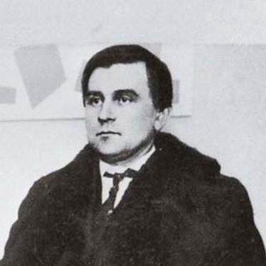 Kazimir Malevich- Short notes | Know everything in seconds-artandcrafter.com Cubism