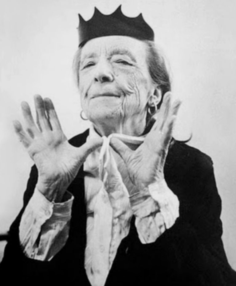 Louise Bourgeois- Biography | short notes | Top artworks – artandcrafter.com Modernism
