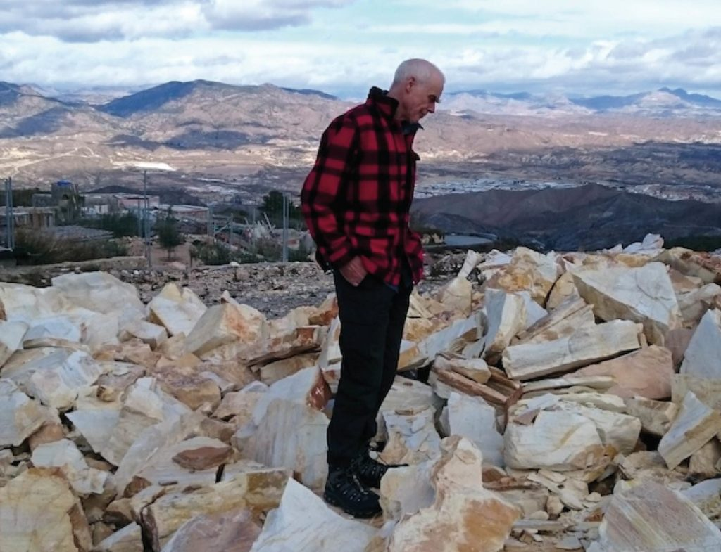 Richard Long- Life, paintings, contribution, death- Easy explanation | artandcrafter.com Land art