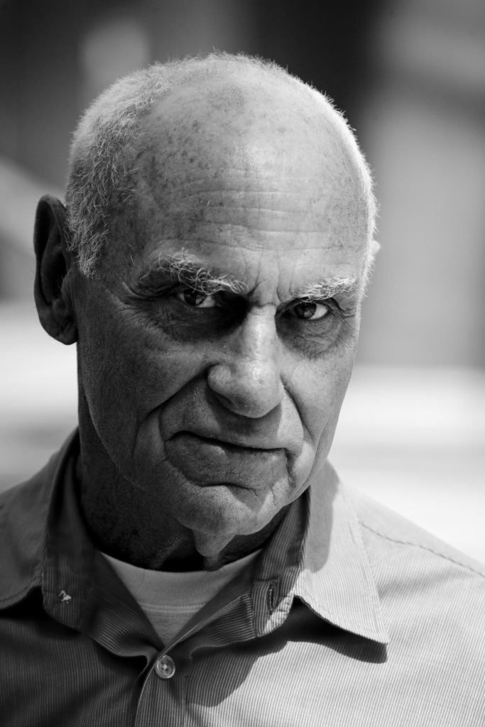 Richard Serra- Short notes | Know everything in seconds-artandcrafter.com Minimalism