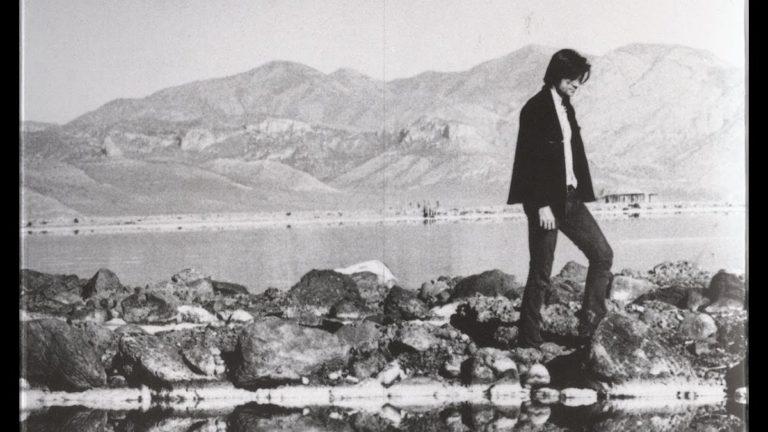 Robert Smithson- Biography | short notes | Top artworks – artandcrafter.com Land art