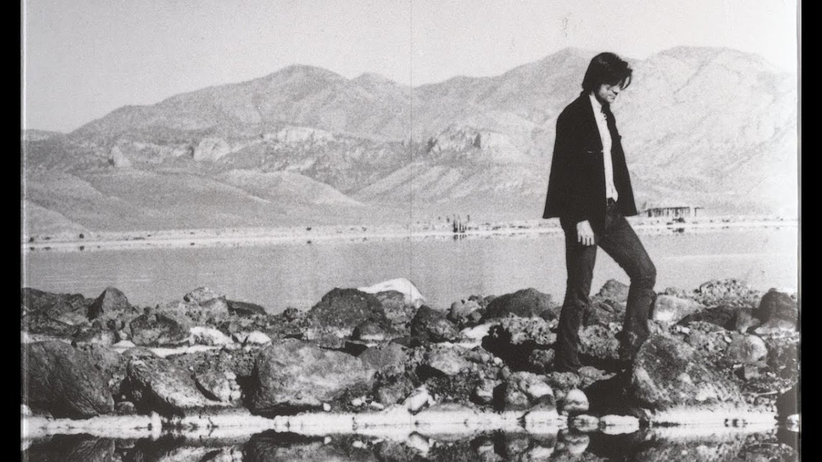 Robert Smithson- Biography | short notes | Top artworks – artandcrafter.com Land art