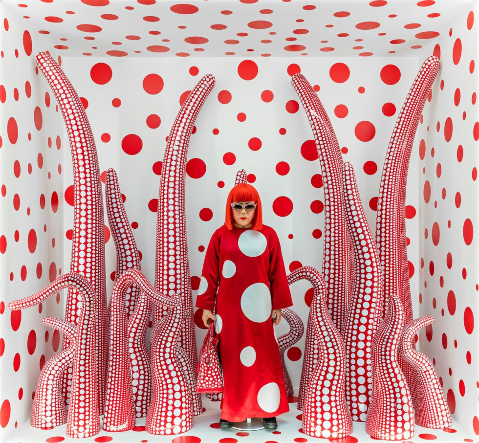 Yayoi Kusama Exhibition: Buy Tickets, Stepwise guidance, contact, visiting hours and Live updates.