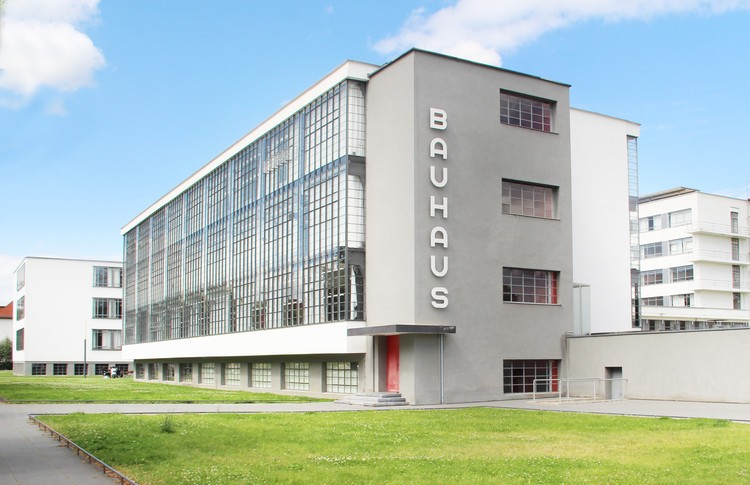 Bauhaus- Summary, Top Artworks & Artists everything with Easy explanation.